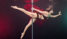 Video: Underwater Pole Dancing