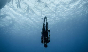 William Trubridge Sets New Constant No-Fins Freediving Record of 102 Meters