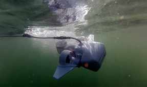 Fathom Underwater Drone Launches on Kickstarter