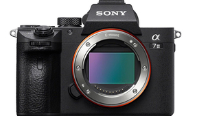 Bloomberg: Sony Mirrorless Cameras Winning Over Pros
